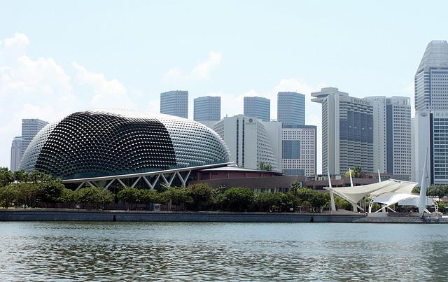 free thing to do in singapore - esplanade