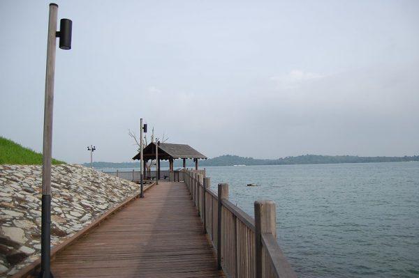 quiet places in singapore changi coastal walk