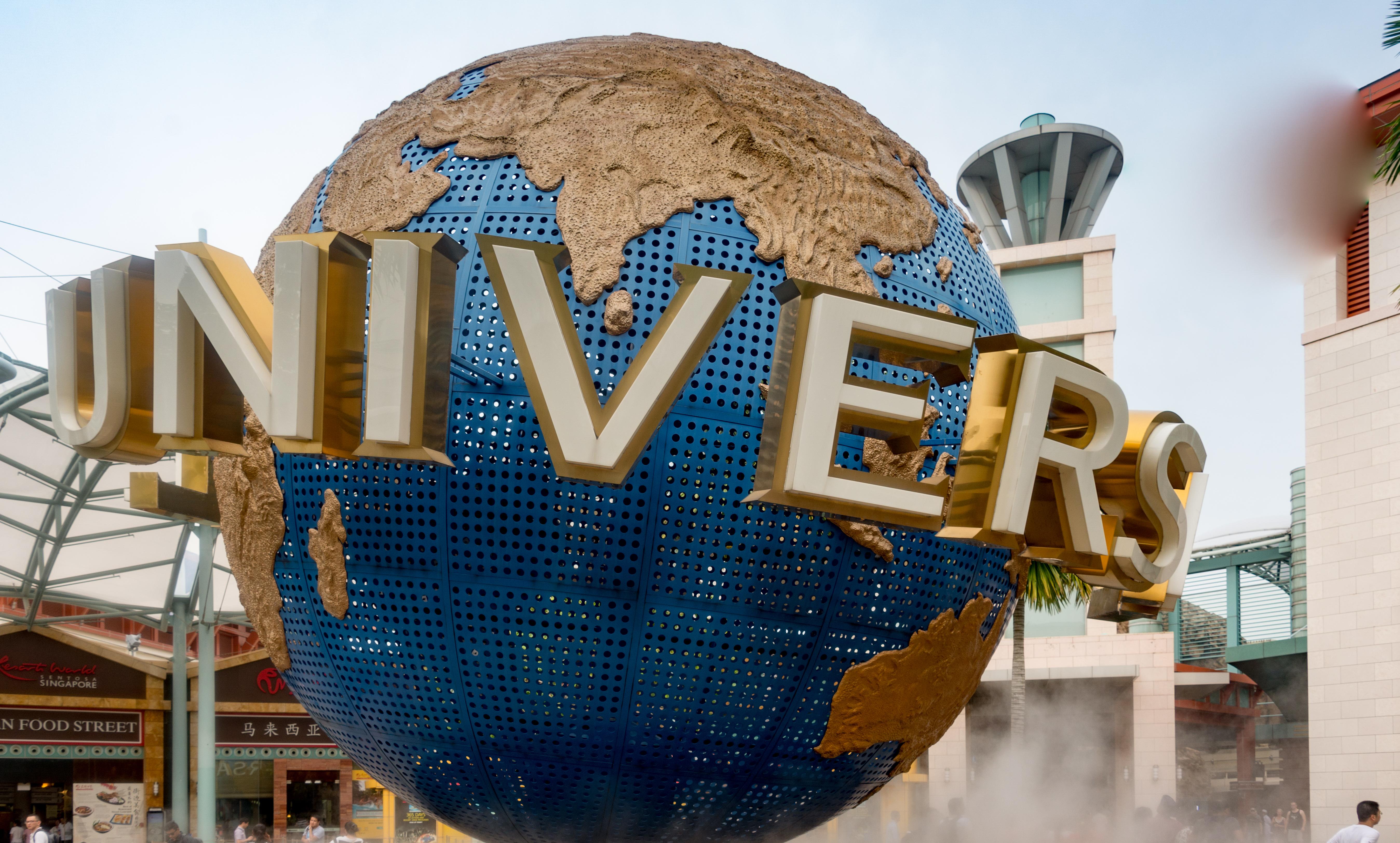 universal studios singapore globe