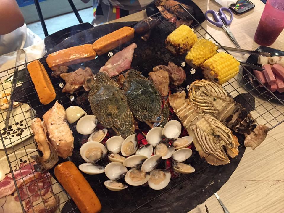 Aroy Jing Jing Seafood Buffet Singapore