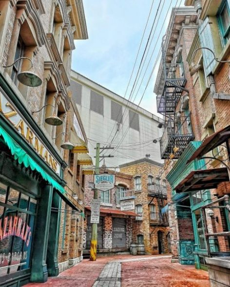 hidden instagram worthy places in singapore take photos uss universal studios singapore hidden alley