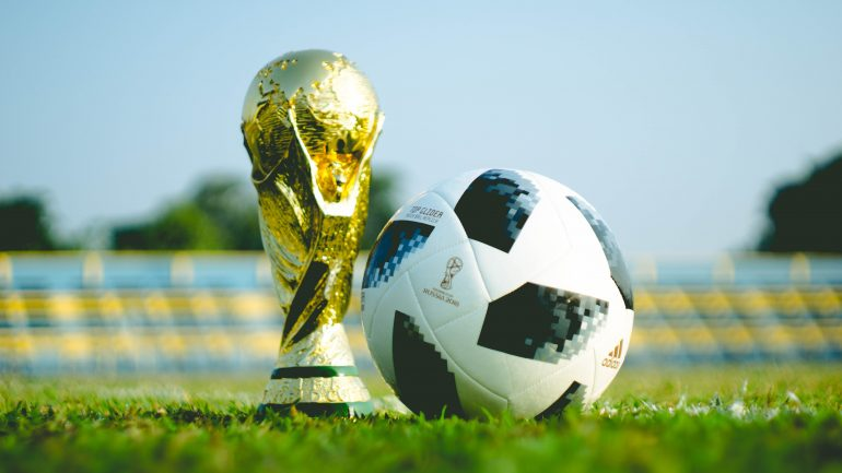World Cup 2018 trophy and ball featured image