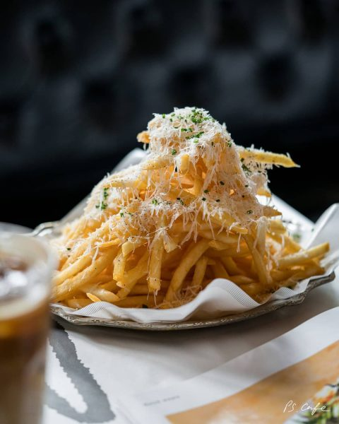 tiong bahru cafe brunch ps cafe petit truffle fries