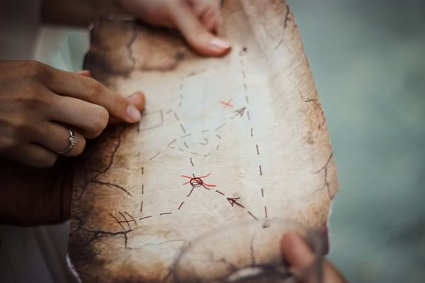 indoor treasure hunt activity for kids