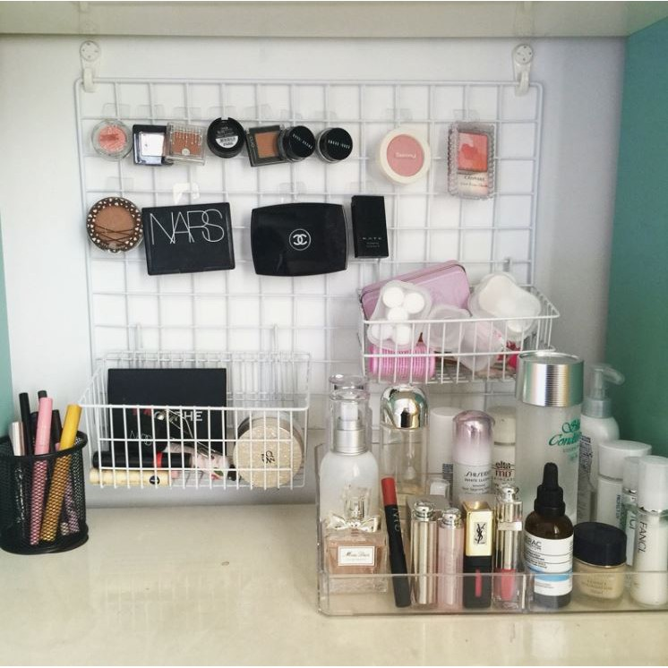 grid wall rack makeup organiser