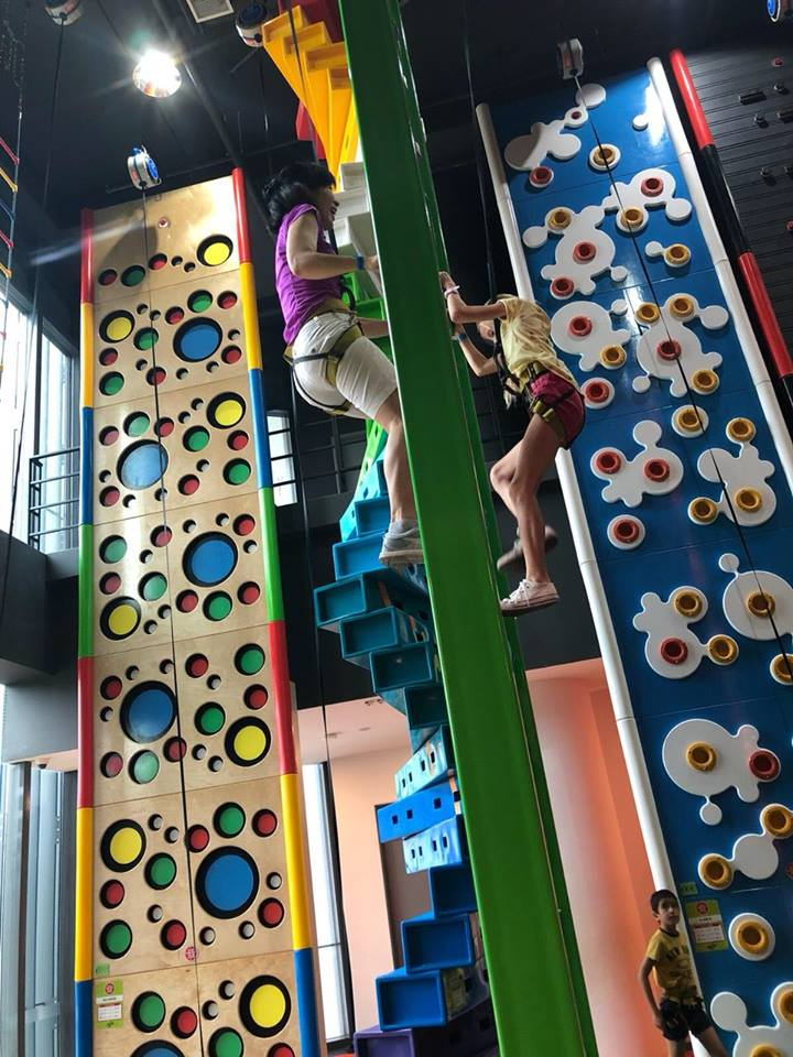 hometeamNS clip 'n climb indoor climbing playground