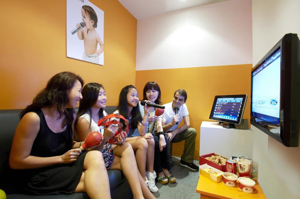 teo heng best karaoke bar in singapore for families
