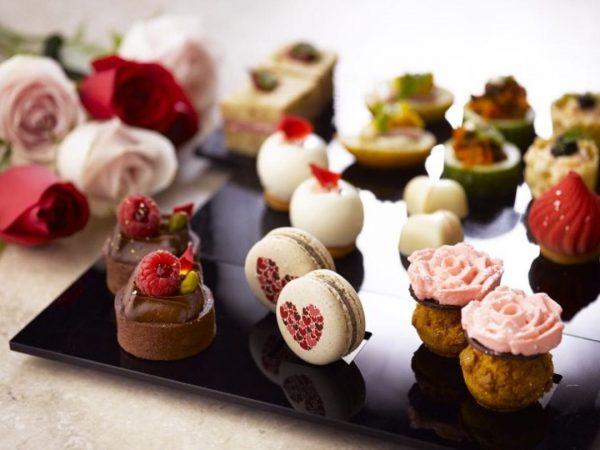 the courtyard fullerton hotel singapore best high tea macarons desserts