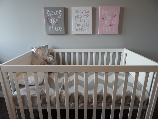 simple baby room design
