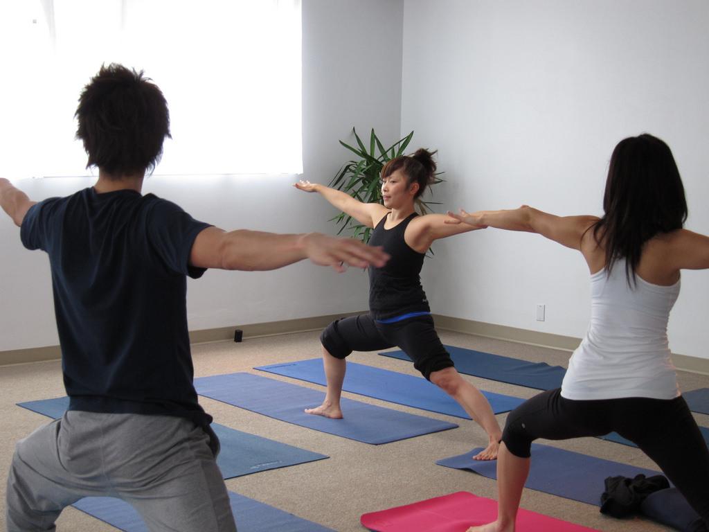 yoga couple activities singapore