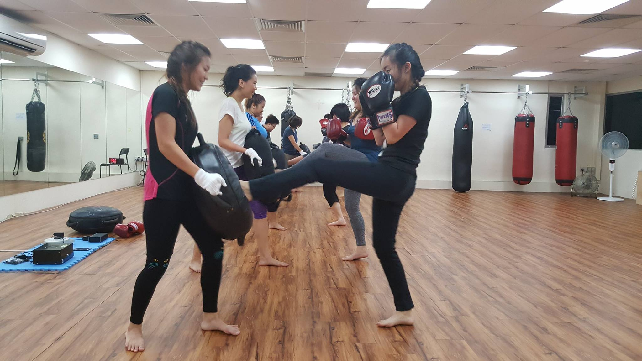 active red best kickboxing class singapore