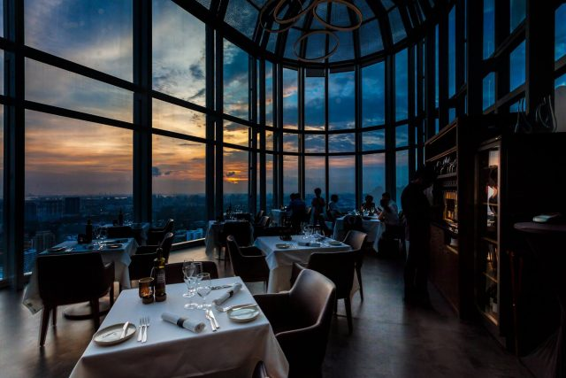 best rooftop restaurants singapore salt grill & sky bar evening sky