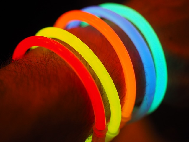 glow in the dark light sticks kids birthday party ideas
