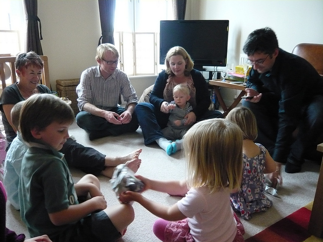 pass the parcel indoor party games for kids