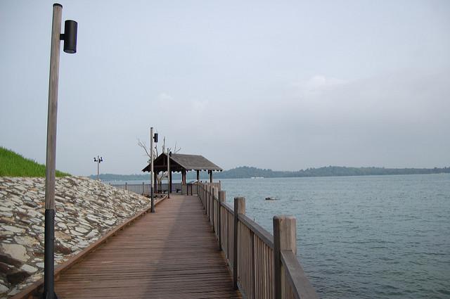 cycling singapore changi beach park boardwalk