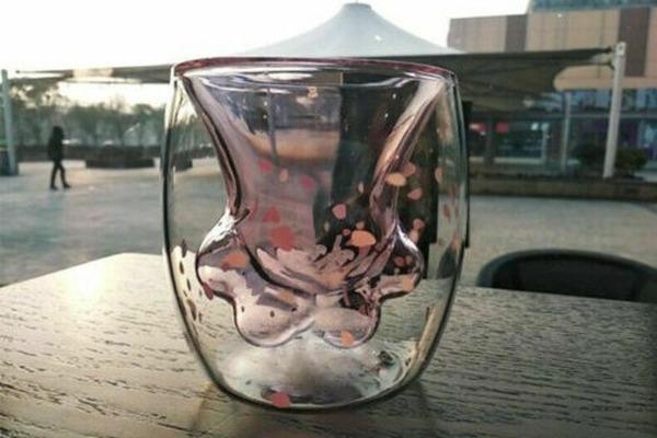 gifts for cat lovers cat-themed sakura paw mug starbucks