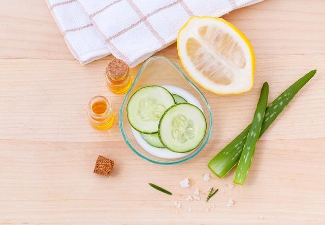 diy toner natural ingredients lemon cucumber honey aloe vera