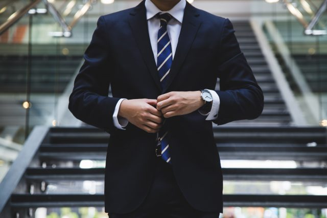 what to wear to an interview outfit man tie suit