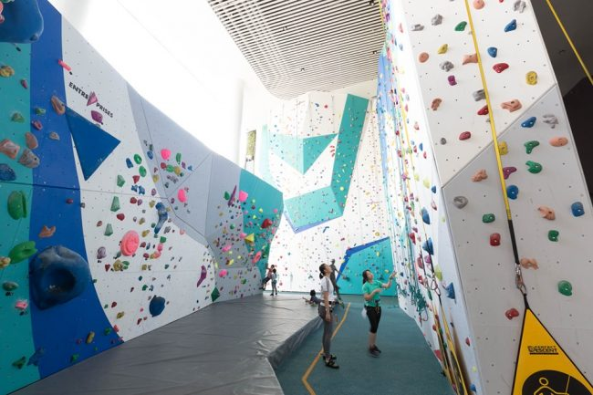 climbing gym singapore the rock school our tampines hub lead climbing