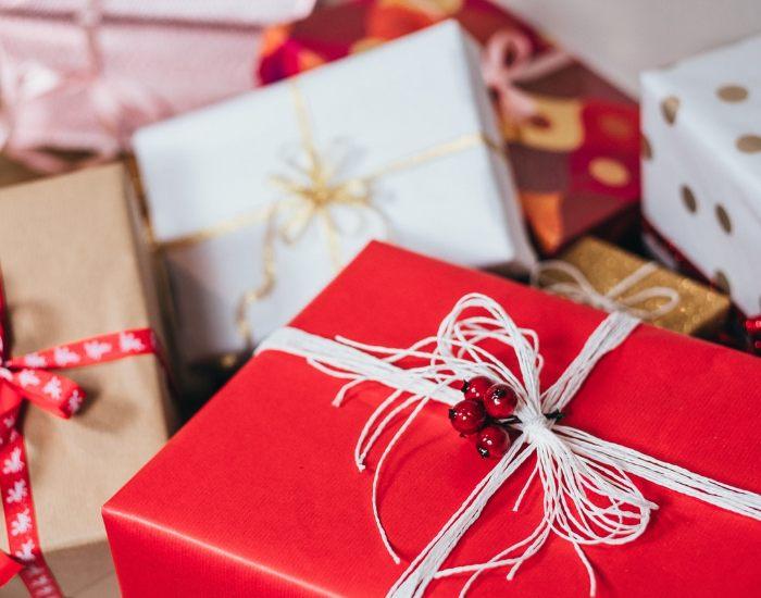 random facts christmas gift exchange game