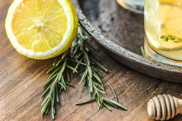 lemon olive oil face mask for tired skin