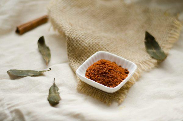 homemade face mask honey cinnamon dull skin