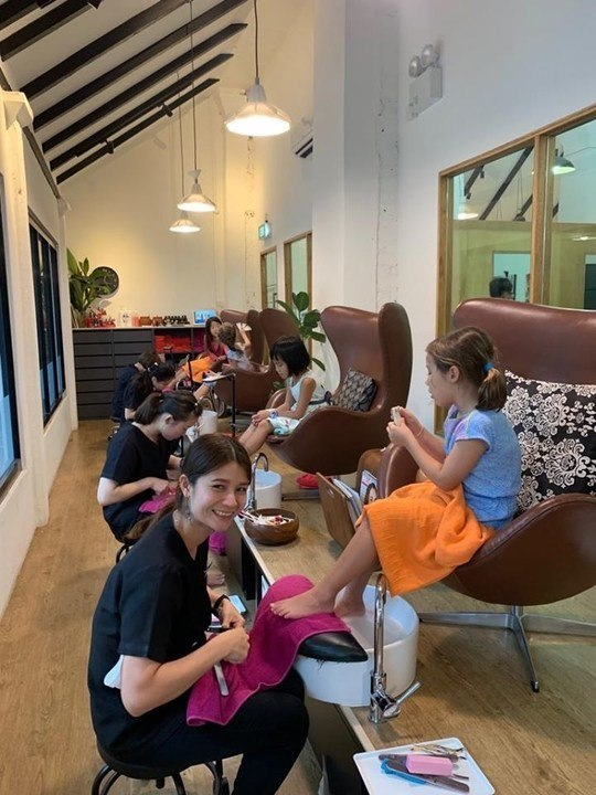trimmings salon and spa baby kid haircut singapore
