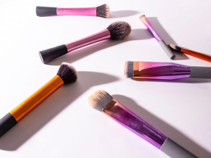 types of makeup brushes ombre gradient set foundation eyeshadow blush