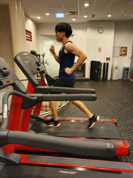 how to train for ippt 2.4km run on treadmill