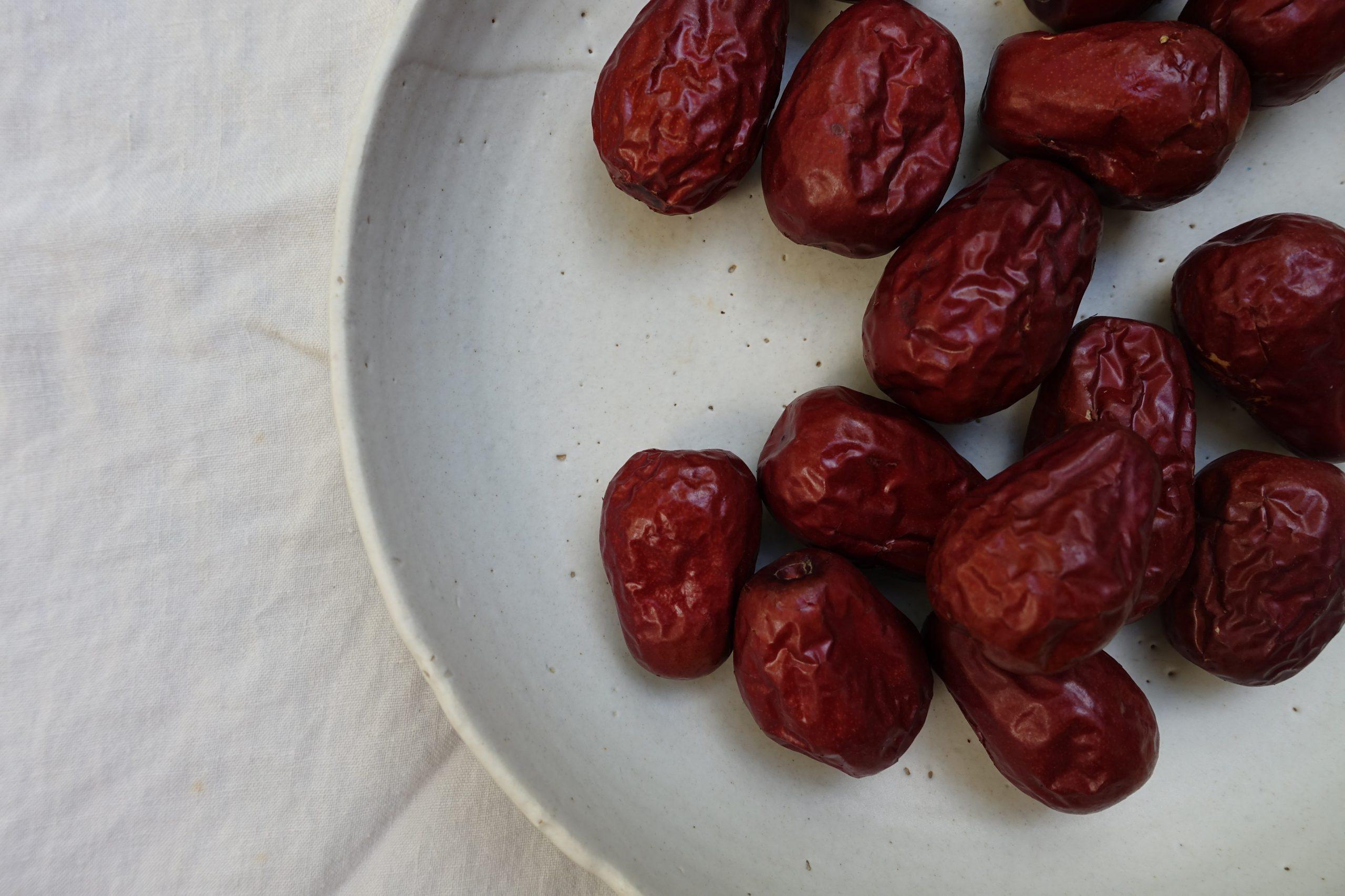 Eat an odd number of dates (Hari Raya)