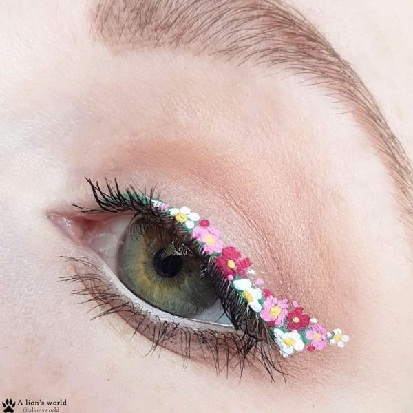 how to draw graphic eyeliner flower floral spring summer makeup