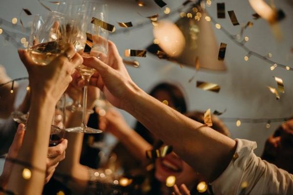 wedding livestream singapore online games programs alcohol toast