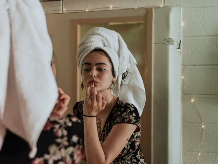 skin care routine steps girl getting ready