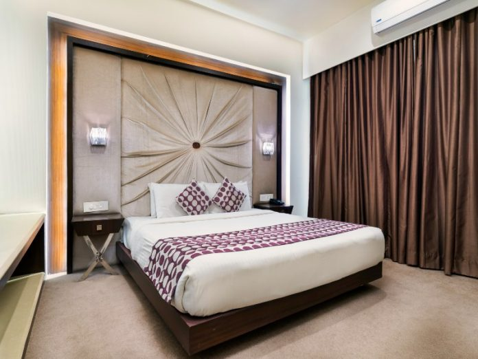how to soundproof your room featured